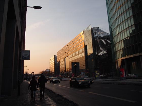 th P13133011 ベルリン映画祭でレッドカーペットを見る方法