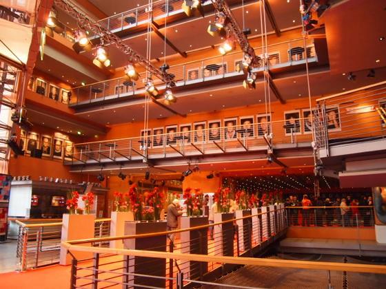 th P21641501 ベルリン映画祭でレッドカーペットの上を歩く方法とは?