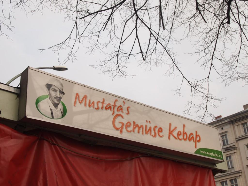 P3057841 1024x768 行列ができるドイツの人気グルメ!ベルリンで三大行列のできるお店が激ウマ!
