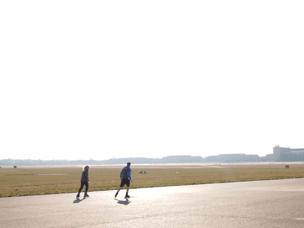 P3139032 1024x768 公園になったベルリンのテンペルホーフ空港がとにかく広すぎる!