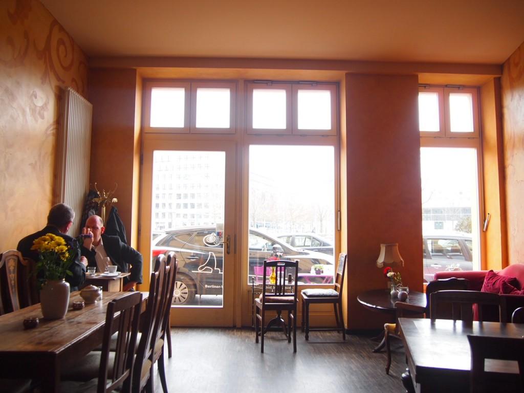 P3189305 1024x768 ベルリンのカフェでオススメを頼むと衝撃的なものが出てきた