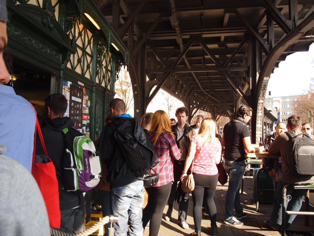 P3219737 1024x768 行列ができるドイツの人気グルメ!ベルリンで三大行列のできるお店が激ウマ!
