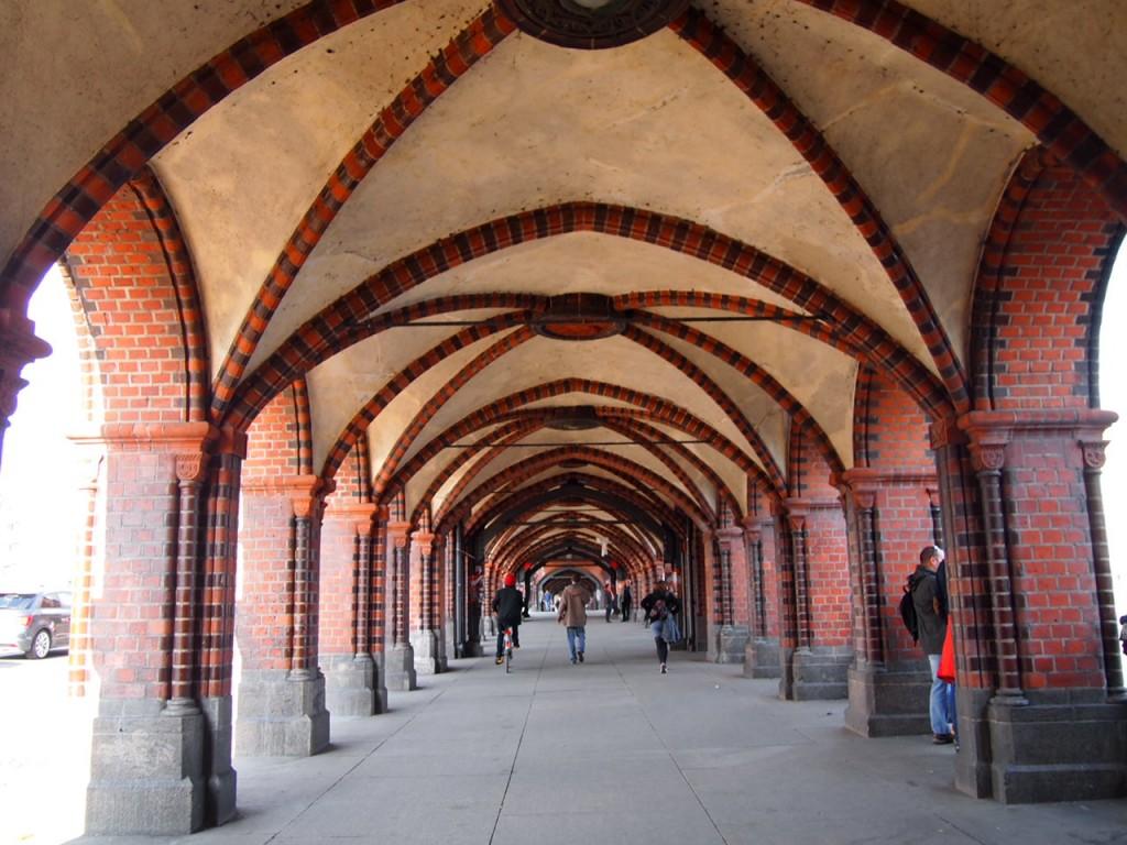 P3219784 1024x768 ベルリンの壁 イーストサイドギャラリーへ行くオススメルート
