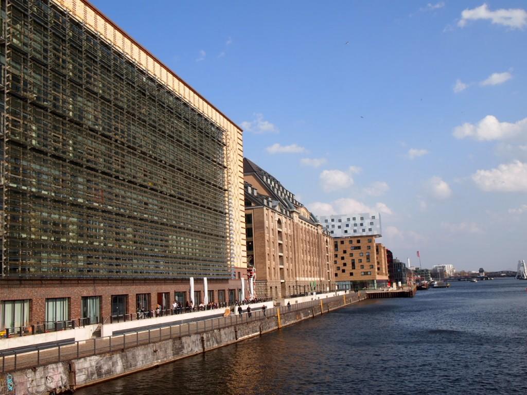 P3219808 1024x768 ベルリンの壁 イーストサイドギャラリーへ行くオススメルート
