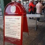 これは旨い!ベルリンで最も人気のカリーブルスト店とは?