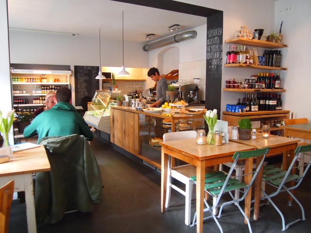 P3067957 1024x768 自家製ドイツ料理が旨い!ベルリンカフェのおすすめランチ!