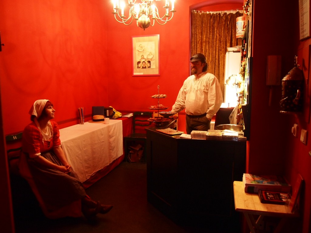 P4081264 1024x768 街の人形劇シアターが可愛い!ベルリンで人形劇を鑑賞して来た。