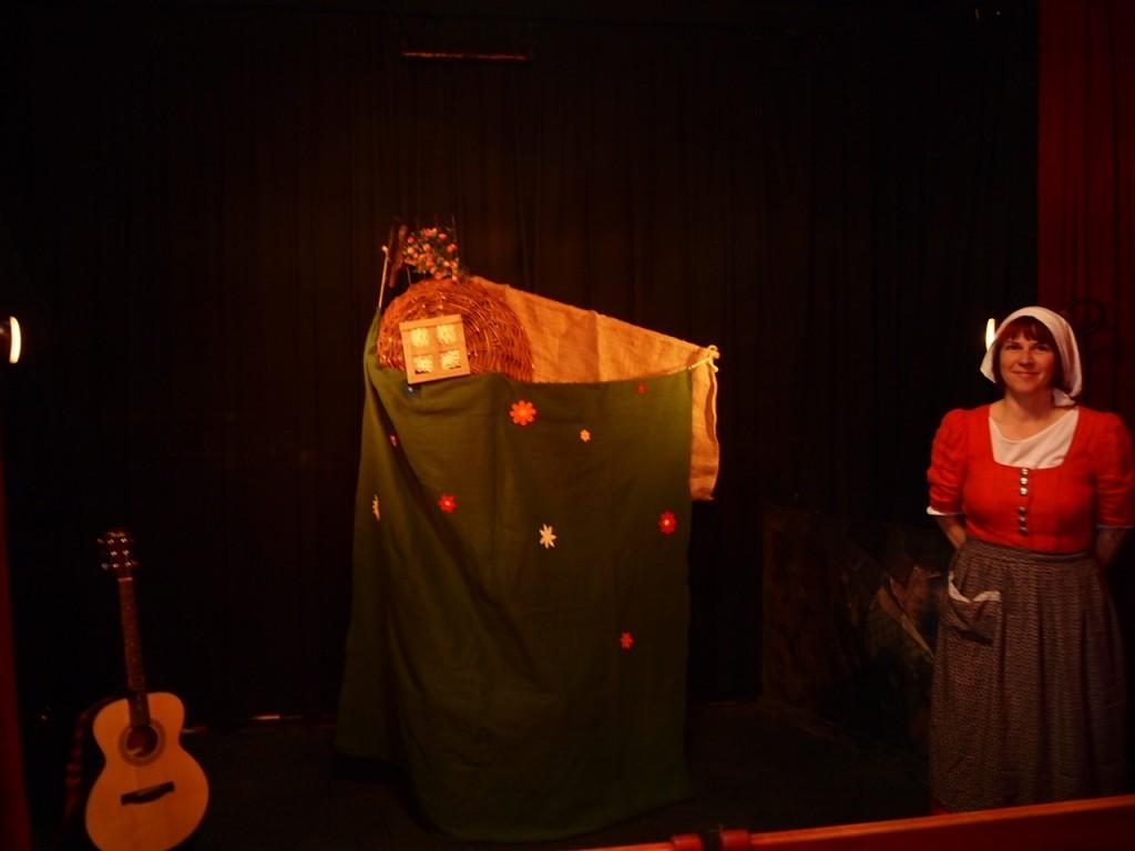 P4081290 1024x768 街の人形劇シアターが可愛い!ベルリンで人形劇を鑑賞して来た。