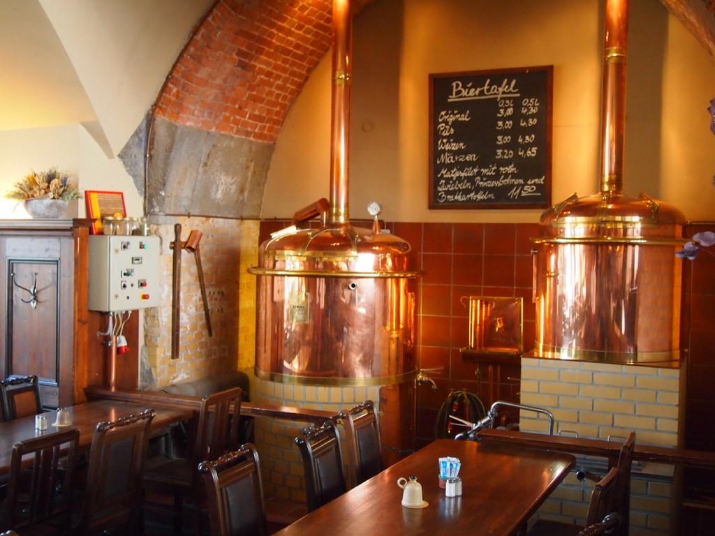 P3037418 1024x768 ベルリンの人気店レストランなら地元客で賑わうブラウハウスがおすすめ!