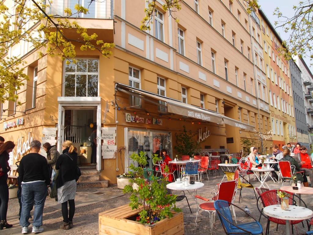 P4010774 1024x768 二度楽しめる!カフェとアパレルを合わせたベルリンのカフェって?
