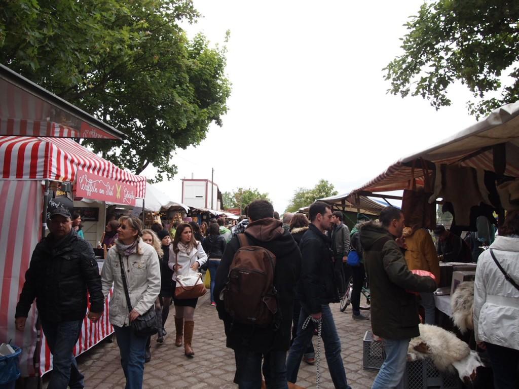 P5042622 1024x768 ドイツの日曜日は蚤の市!ベルリン壁公園の蚤の市がとにかく広くておすすめ!