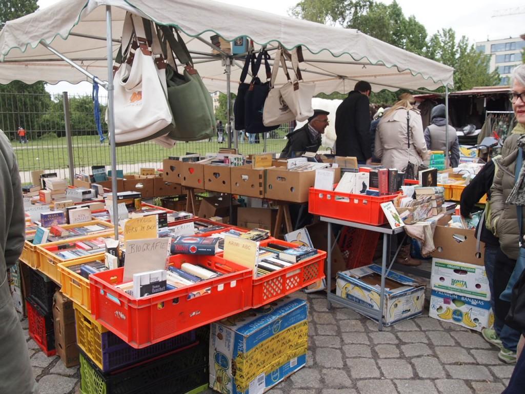P5042633 1024x768 ドイツの日曜日は蚤の市!ベルリン壁公園の蚤の市がとにかく広くておすすめ!