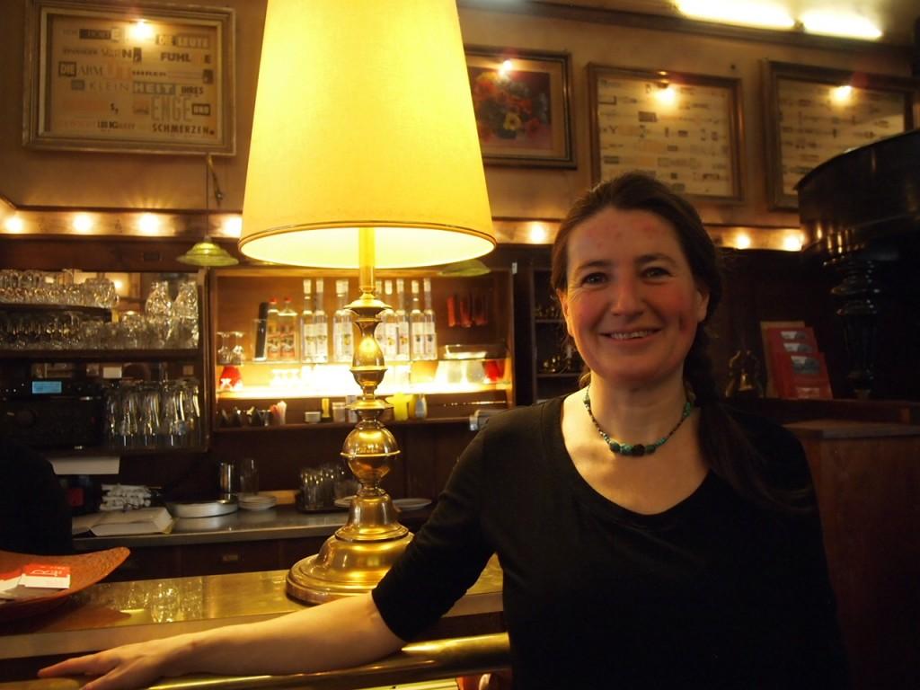 P3078125 1024x768 まるで中世のバー!ベルリン在住の美女がオススメするカフェ