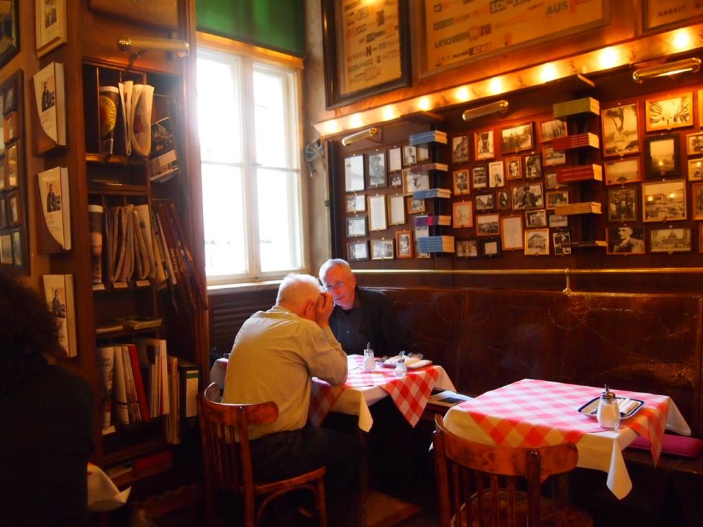 P3078126 1024x768 まるで中世のバー!ベルリン在住の美女がオススメするカフェ