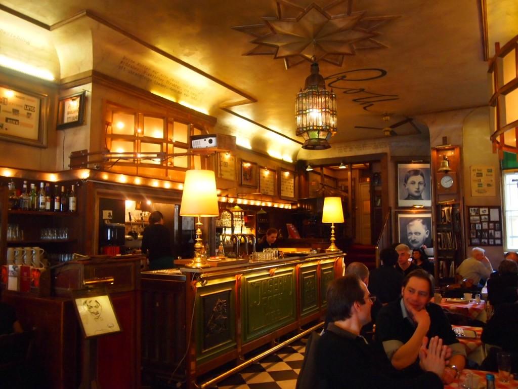 P3078131 1024x768 まるで中世のバー!ベルリン在住の美女がオススメするカフェ