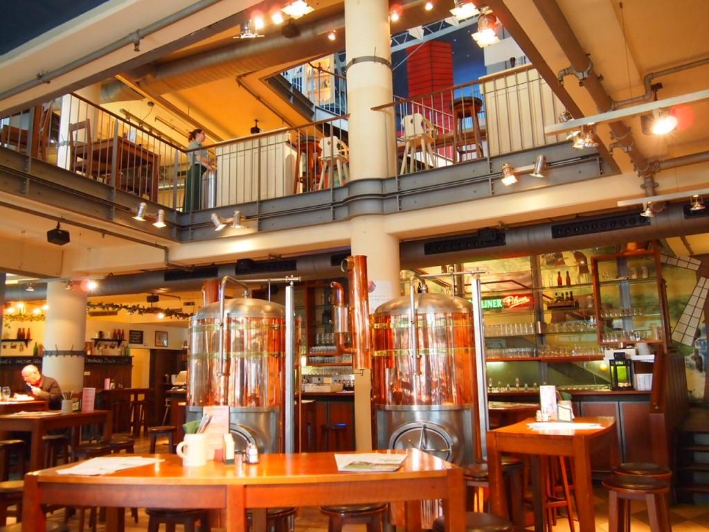 P3128730 1024x768 ベルリン観光で行きやすくビールの美味しいレストランならリンデンブロイ!