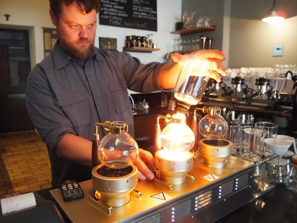 P6205325 1024x768 ベルリンのカフェ動画がとにかくスゴい!サイフォンコーヒーを飲みに行ってきた!