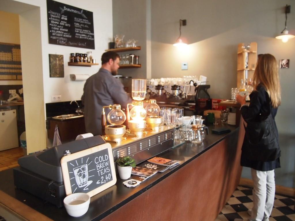 P6205331 1024x768 ベルリンのカフェ動画がとにかくスゴい!サイフォンコーヒーを飲みに行ってきた!