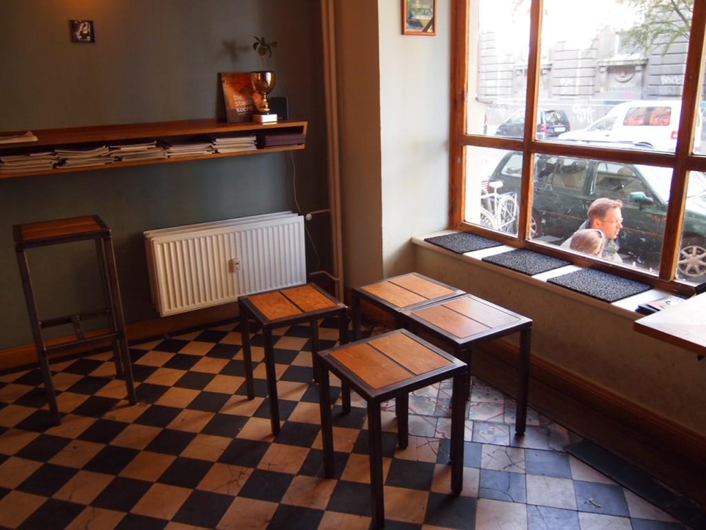 P6205332 1024x768 ベルリンのカフェ動画がとにかくスゴい!サイフォンコーヒーを飲みに行ってきた!