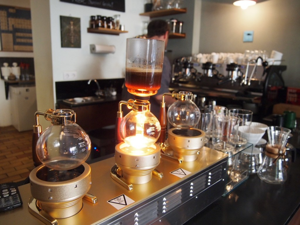 P6205335 1024x768 ベルリンのカフェ動画がとにかくスゴい!サイフォンコーヒーを飲みに行ってきた!