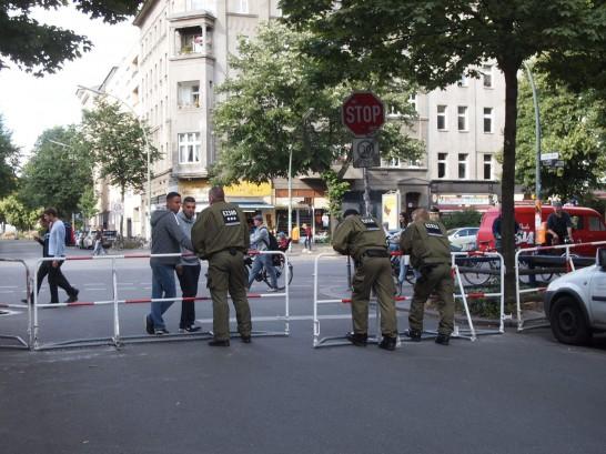 P6245726 546x409 警察に封鎖されていたベルリンのオシャレなカフェ、その理由とは?