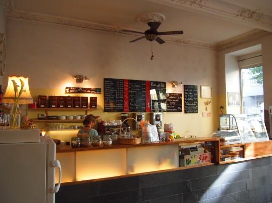P6245730 546x409 警察に封鎖されていたベルリンのオシャレなカフェ、その理由とは?