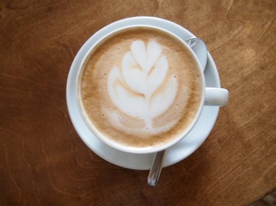 P6245737 546x409 警察に封鎖されていたベルリンのオシャレなカフェ、その理由とは?