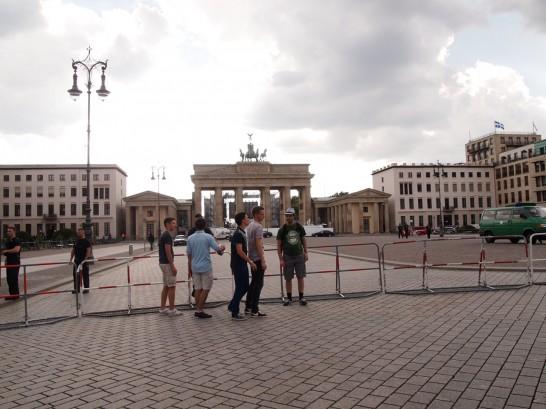 P6265915 546x409 W杯ドイツ・アメリカ戦をベルリンのパブリックビューイングで観戦したらどうなるか?