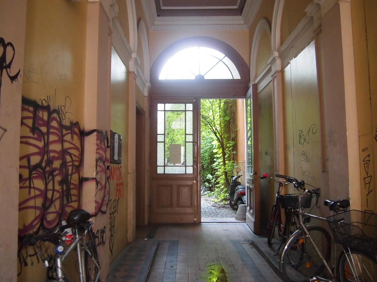 P6306181 アートと自然の多いベルリンの街並み
