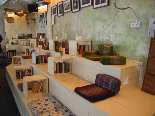 An einem Sonntag im August 546x409 ベルリン観光で行きたいWiFiの使える10の可愛いカフェ!