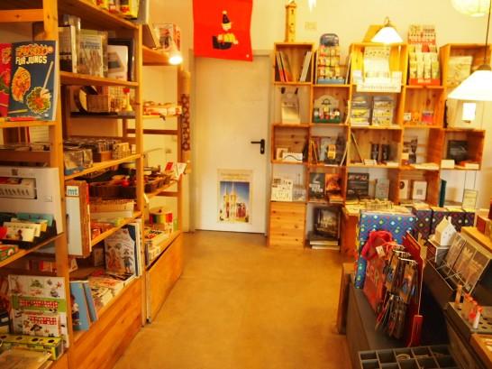 P3037498 546x409 まるでおもちゃ箱!ベルリンの雑貨屋さんが可愛い!