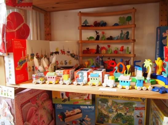 P3037501 546x409 まるでおもちゃ箱!ベルリンの雑貨屋さんが可愛い!