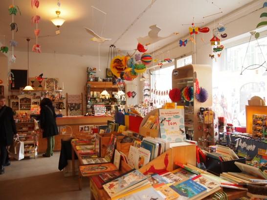 P3037505 546x409 まるでおもちゃ箱!ベルリンの雑貨屋さんが可愛い!
