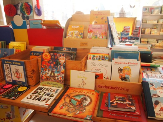 P3037507 546x409 まるでおもちゃ箱!ベルリンの雑貨屋さんが可愛い!