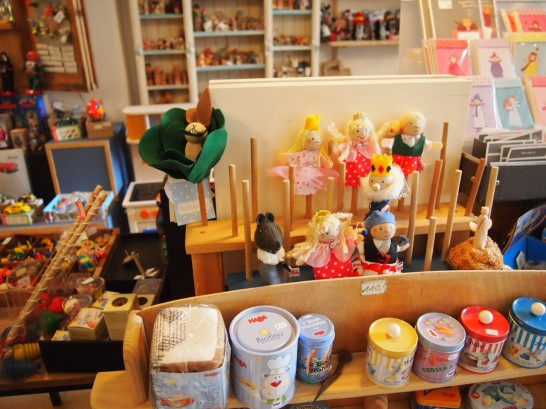 P3037509 546x409 まるでおもちゃ箱!ベルリンの雑貨屋さんが可愛い!