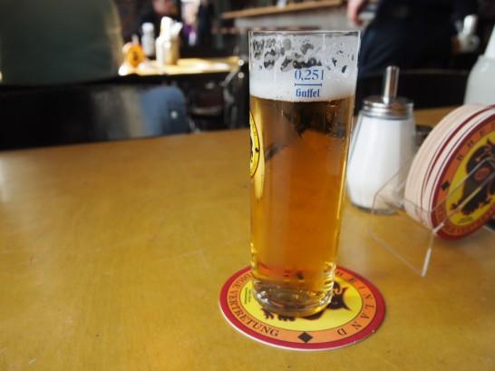 P3290398 546x409 ベルリンのピザが旨い!フラムクーヘンとケルンビールを楽しめるおすすめレストラン