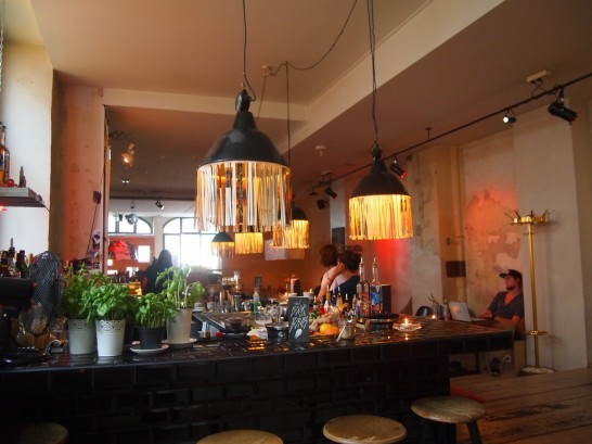 P6286105 546x409 昼はアート夜はクラブ!2つの顔を持つベルリンのオシャレカフェ
