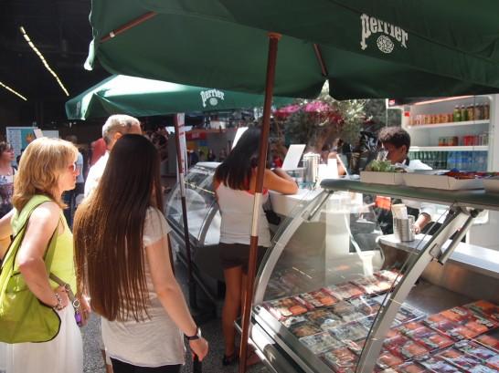 P7036701 546x409 パリで人気すぎる調味料?ジャパンエキスポで行列を作っていた日本食ベスト3