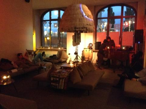 th IMG 1181 昼はアート夜はクラブ!2つの顔を持つベルリンのオシャレカフェ