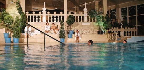 sauna2 546x268 ドイツの美女たちと混浴!?男二人でベルリンの混浴温泉に行ってみた