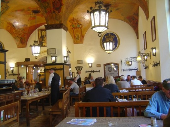 th Hofbraeuhaus 546x409 海外初心者が挑むベルリン観光!23ヶ所をたった1日で周りきる方法とは?