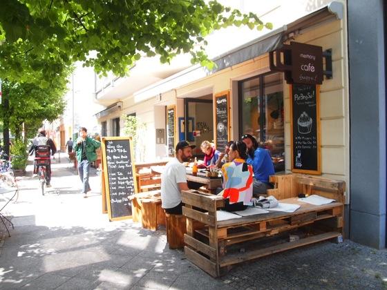 斬新すぎるデザイン!ベルリンにあるカフェがアトリエみたい!