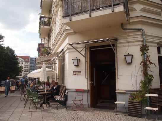 P7026481 546x409 ベルリンの可愛い部屋を満喫!レトロ家具に溢れたベルリンのカフェ