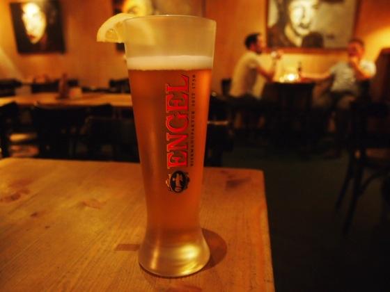 P5243699 100種類のビールを飲み比べ!ベルリンで本場のビールが飲みたいならここ!