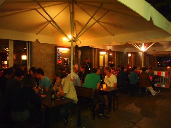 P5243719 100種類のビールを飲み比べ!ベルリンで本場のビールが飲みたいならここ!