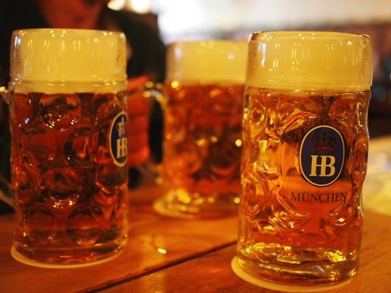 P8274239 実はベルリンにもあるドイツの有名ビアホール「ホーフブロイハウス」