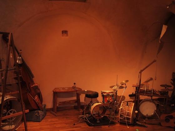 PB035848 usaginingen(ウサギニンゲン)来日!ドイツを拠点に活動する日本人アーティストのライブを訪問!