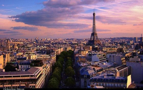 Paris3 Moyan Brenn エッフェル塔にはテレビ塔!7つのパリ魅力をベルリンに変換すると…