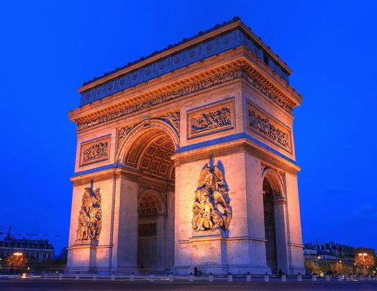 Paris Anirudh Koul エッフェル塔にはテレビ塔!7つのパリ魅力をベルリンに変換すると…