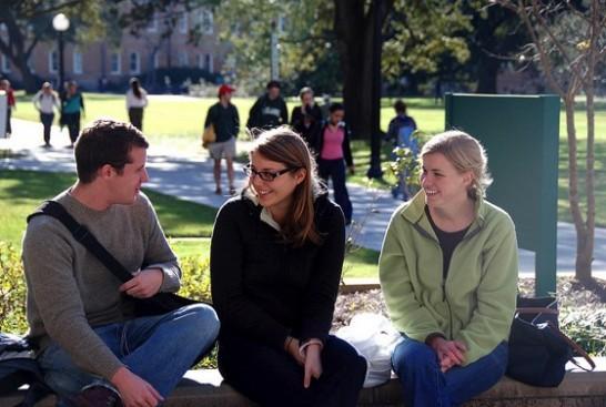 students Tulane Public Relations 546x367 ドイツ留学するなら知っておきたい情報